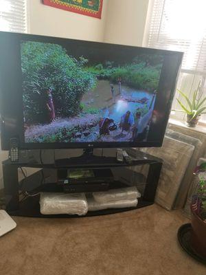 Photo Black Lacquer Corner TV Stand