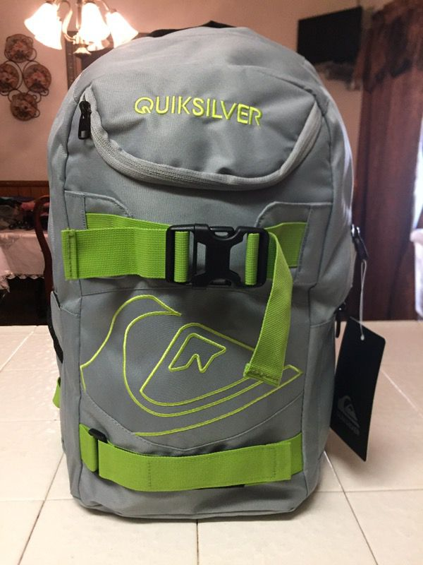 7f72e1b90749 Quiksilver Backpack for Sale in Moreno Valley, CA - OfferUp