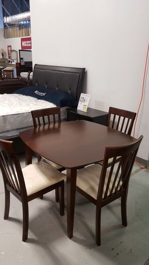 5pc. Dark Cherry Wood Dining Room Set for Sale in Chantilly, VA
