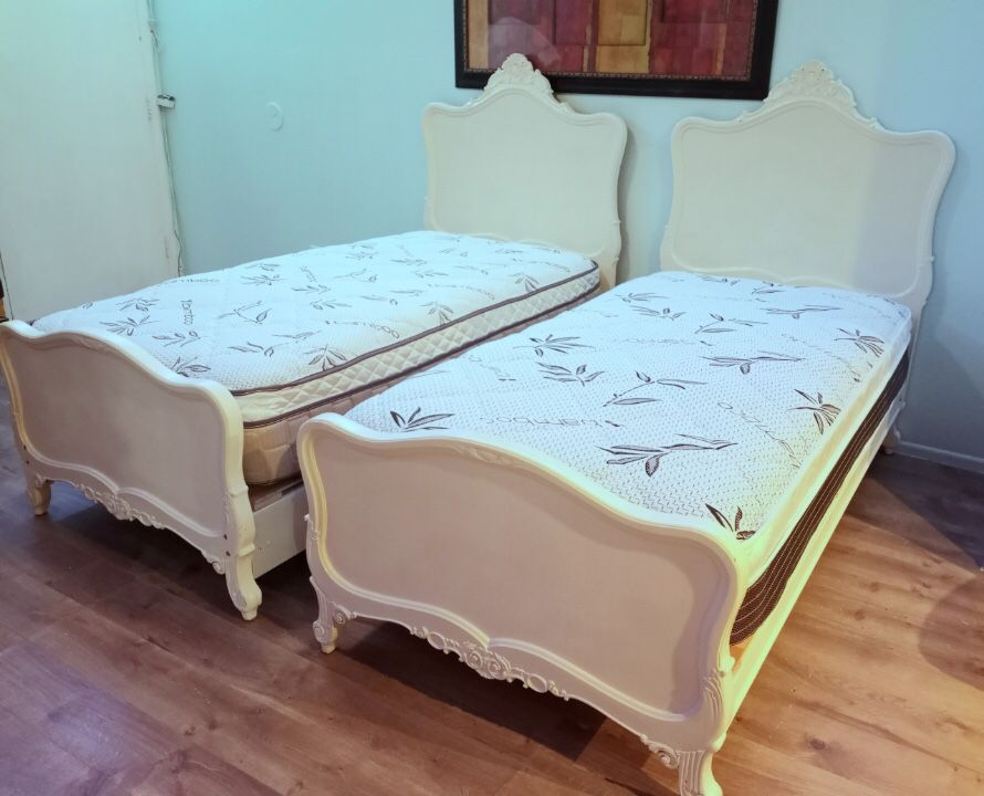 White Two Twin Beds With Mattress With Platform spring
