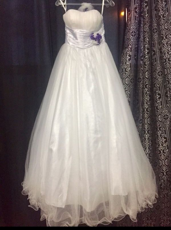 4dfd210ec5 New and Used Wedding dress for Sale in Sugar Land