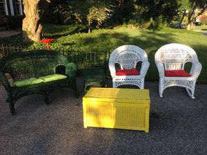 Wicker outdoor furniture set. for Sale in Ellicott City, MD