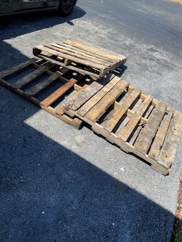 Wood Pallets/Pallets/Paletas/Madera for Sale in Miami, FL ...