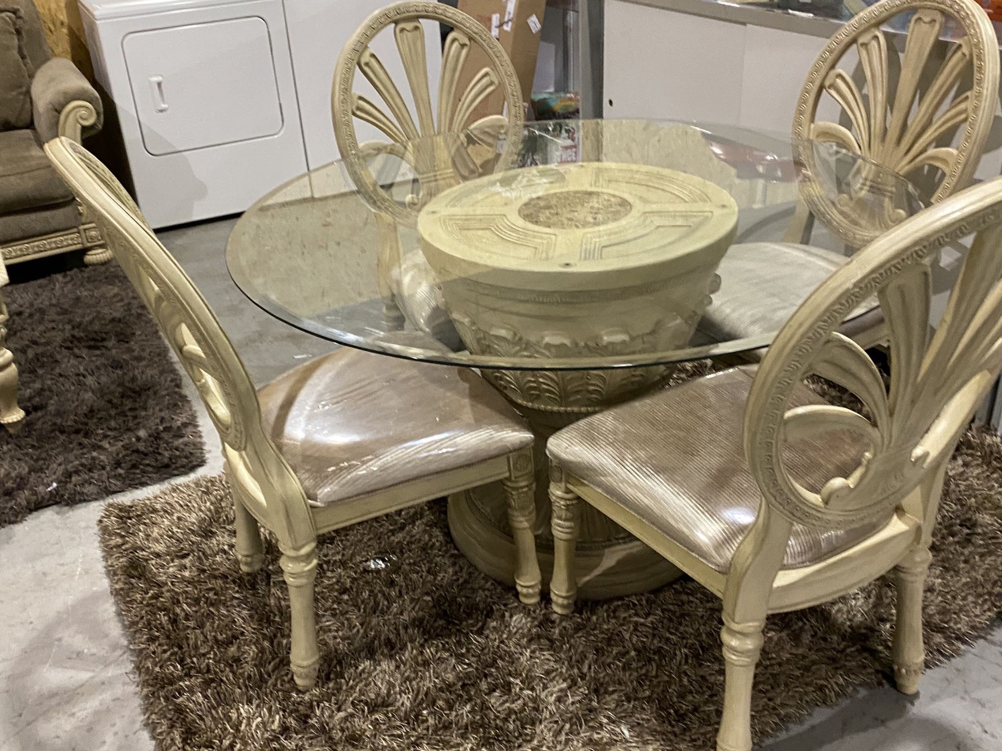 Luxurious Ashley Table Set $299