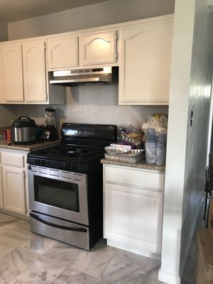 Kitchen Cabinet Reconditioning & Painting for Sale in Corona, ...