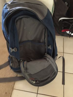 """REÍ """"Look Out 40"""" back pack for Sale in Austin, TX"""