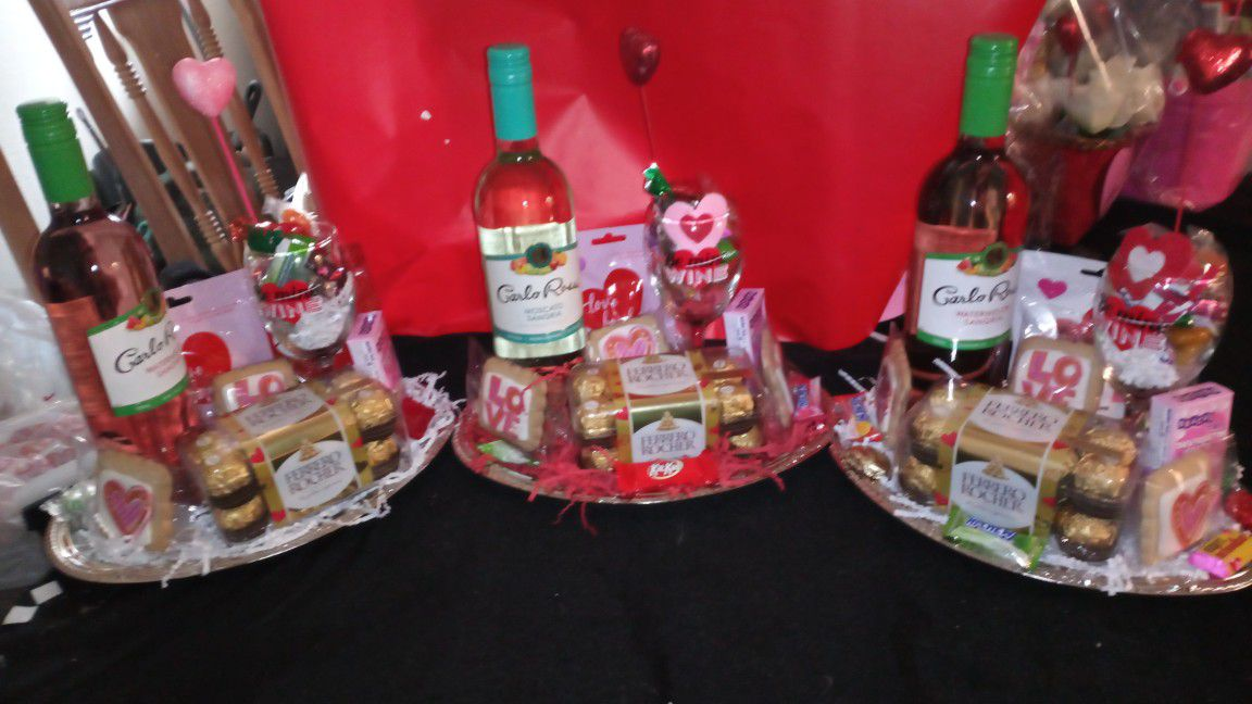 Valentine's day Baskets And Gifts