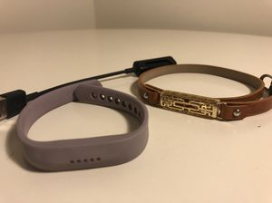 Fitbit Flex with Charging Cable and Fashion Band for Sale in Potomac, MD