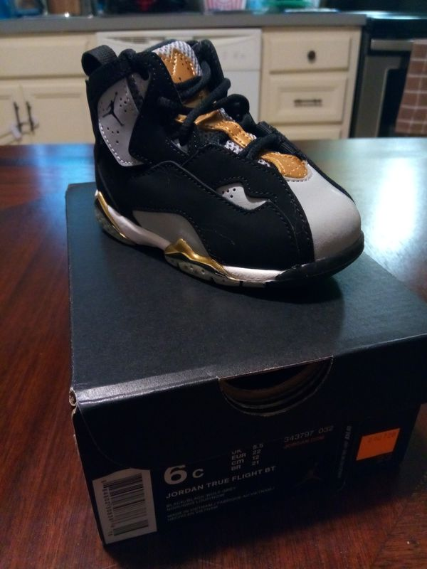 d6a7f99ac28 Size 6 Toddler Jordans for Sale in Vernon