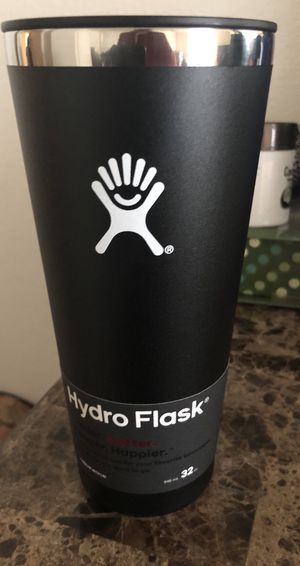 Hydro flask 32Oz tumbler Black and yellow brand new never used for Sale in Gilbert, AZ