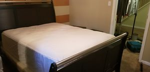 Queen Size Bedroom Set for Sale in Forest Heights, MD