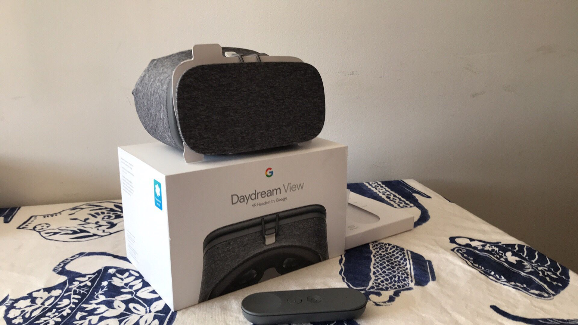 Daydream View by Google