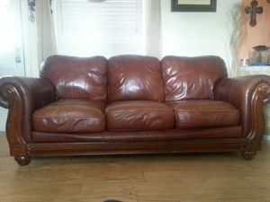 Leather couch asking 120$ obo its in great condition smd pet free , asking 20$ fot the blender for Sale in Bon Air, VA