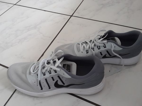 nouvelle arrivee a2935 27b3a Nike Fitsole for Sale in Miami, FL - OfferUp