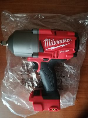 Milwaukee M18 impact wrench 2767-20 for Sale in Chicago, IL