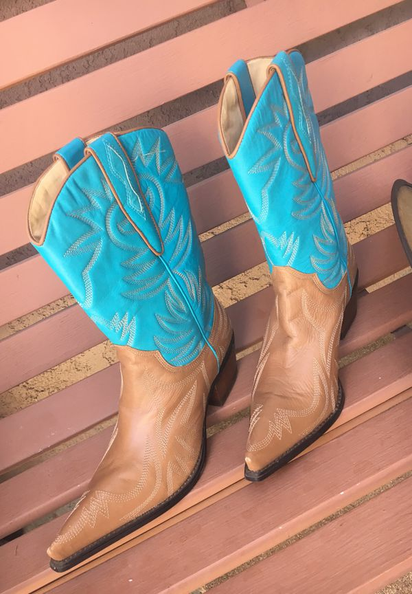 c142be097f4 GUESS Cowgirl Boots Leather for Sale in Palmdale, CA - OfferUp