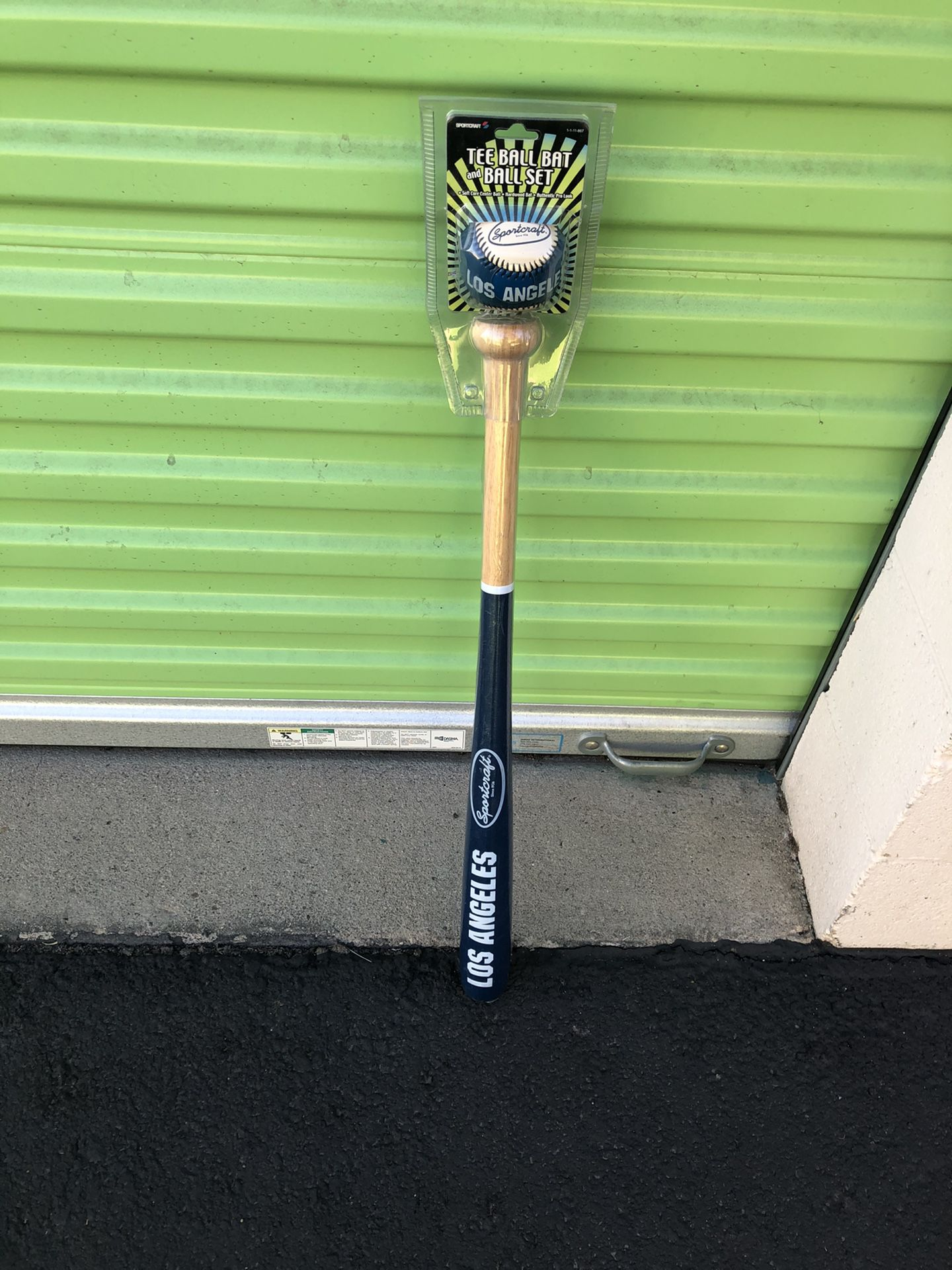 Los Angeles Dodgers Baseball & Bat