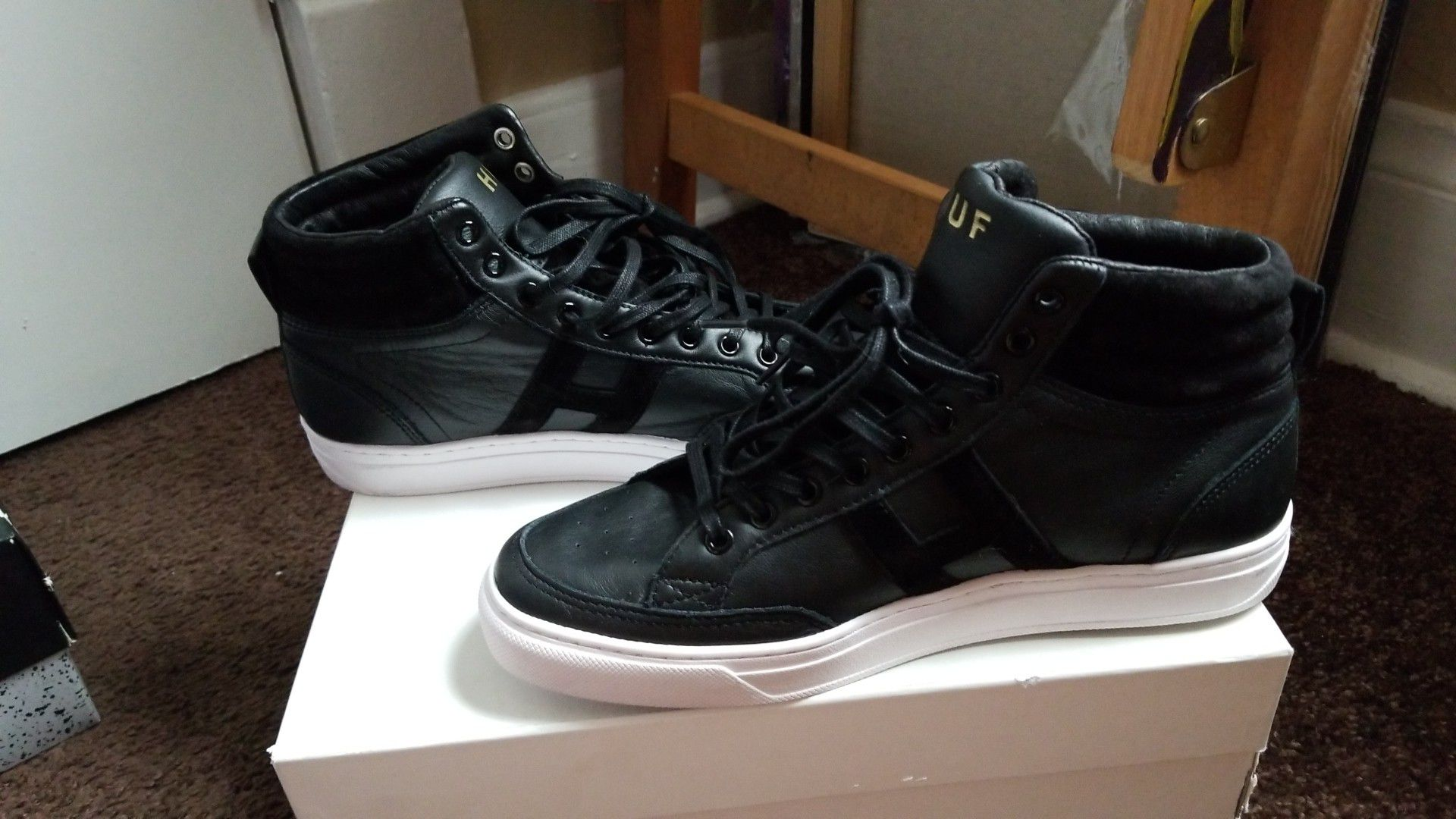 HUF brand shoes men size 8.5