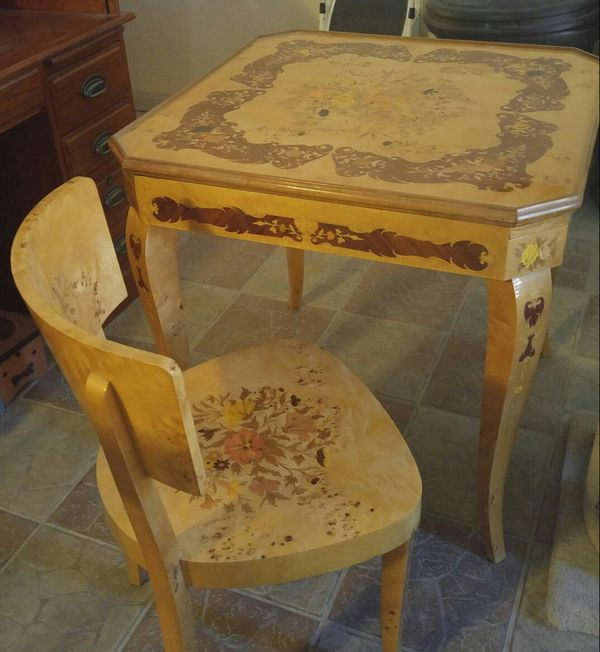 Remarkable Antique Gaming Table W 2 Chairs For Sale In Las Vegas Nv Offerup Alphanode Cool Chair Designs And Ideas Alphanodeonline
