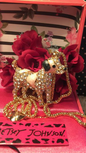 Photo Betsey Johnson 3 D Rhinestone PUPPY STANDS ..so cute 4 ' high on Alloy 18 inch gold chain gift box