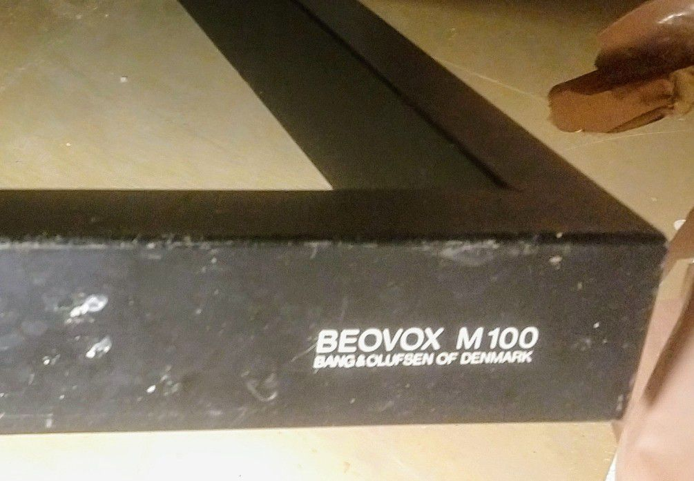 B&O Beovox Pair M100 Speaker Stands In Seattle