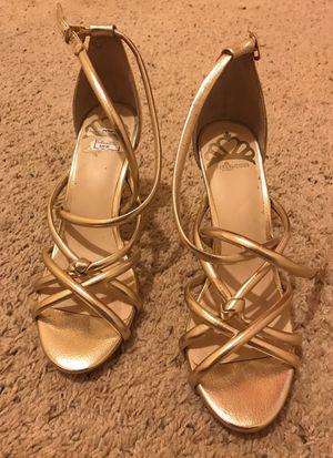 Gold heels - sz 7.5 for Sale in Orlando, FL