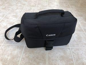 Canon DSLR shoulder bag 100ES for Sale in Glen Allen, VA