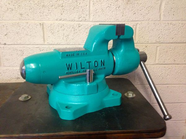 Vintage Restored Wilton 400 Bullet Vise Vice Swivel Base