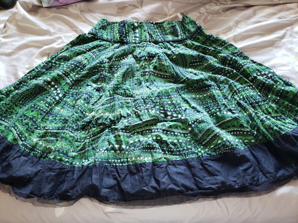 Green print skirt