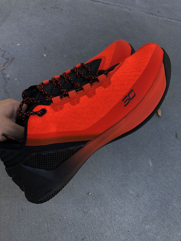 UnderArmour Steph Curry 3 for Sale in Los Angeles 6a7c48037