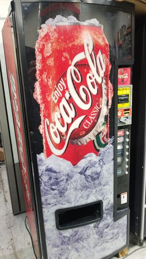 Soda vending machine fully working for Sale in Montgomery Village, MD