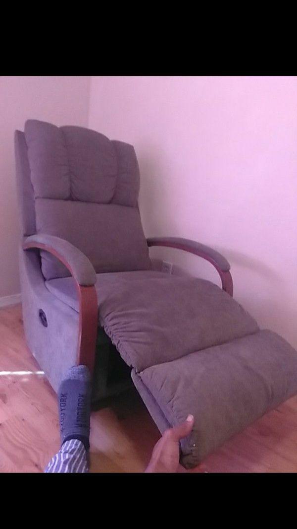 Need Gone Asap Best Offer La Z Boy Single Seat Reclining Rocker Chair