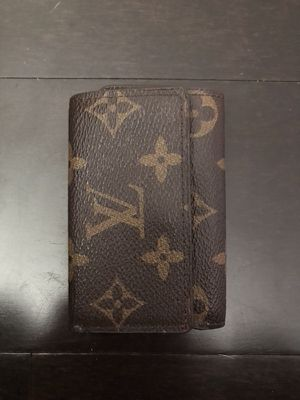 Louis Vuitton key holder new never used  100 for Sale in Sacramento 53faf53825eb5