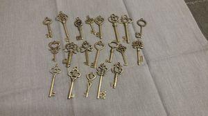 Skeleton Keys/Pendants Set of (20) for Sale in OH, US