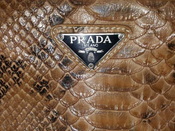 919c6cbc71963 Prada Milano DAL 1913 SNAKE SKIN PRINT IN EXCELLENT CONDITION for ...