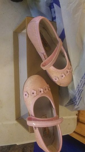 Size 10m girls flats for Sale in Farmville, VA