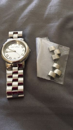 Women's Marc Jacobs silver watch for Sale in Chicago, IL