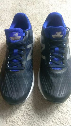 Tenis para hombre (New Balance)size us 10 Semis usados for Sale in Gaithersburg, MD