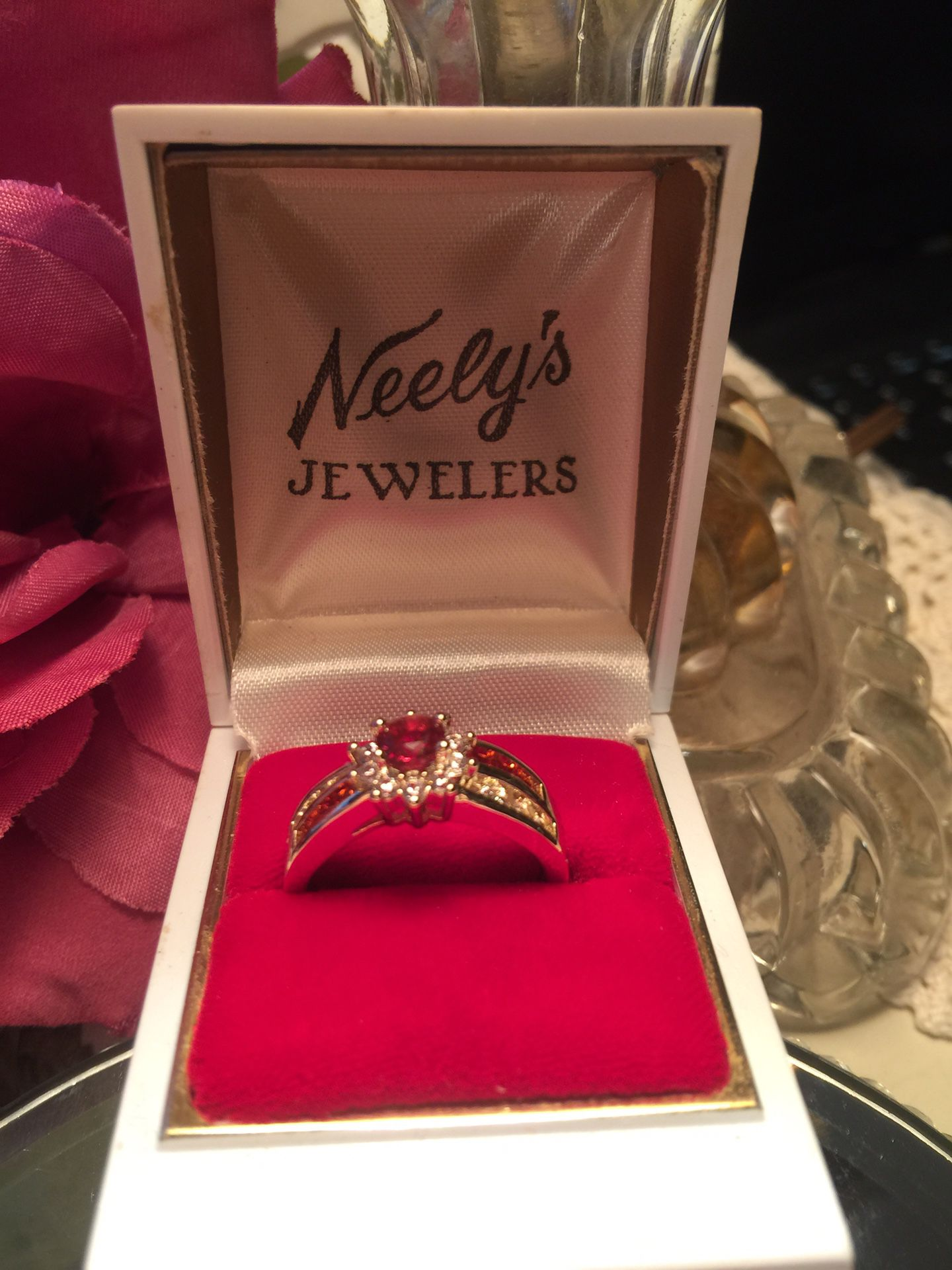 Gorgeous ruby & sapphire engagement ring pave set band size8