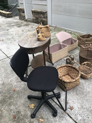 Baskets, table, chair for Sale in Atlanta, GA