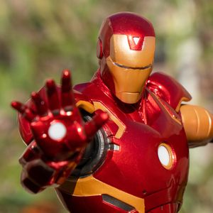 Marvel vs. Capcom: Infinite Collector's Edition Iron Man Diorama Statue (Game not included) for Sale in Los Angeles, CA