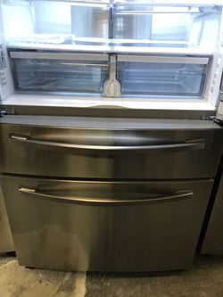 SAMSUNG FRENCH DOOR STAINLESS STEEL COUNTER DEEPTH REFRIGERATOR BRAND NEW OPEN BOX  Thumbnail