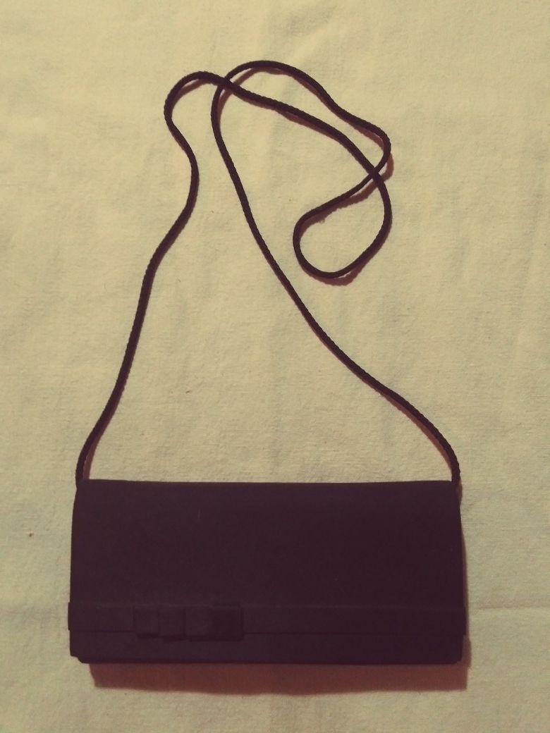 Vintage clutch with shoulder strap