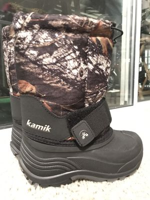 Kamik Snow Boots Size 11 Toddlers for Sale in Alexandria, VA