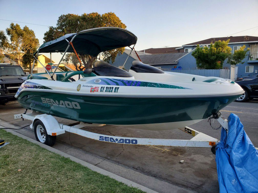 Photo 1997 SEADOO CHALLENGER 1800 TWIN ENGINE LOW HOURS NEW UPHOLSTERY EXCELLENT HULL 8K FIRM READ FULL AD!! ONE ENGINE CRANKS WONT START