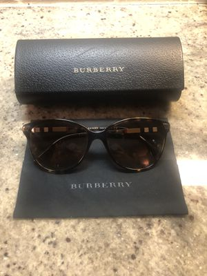 Burberry women sunglasses for Sale in Houston, TX