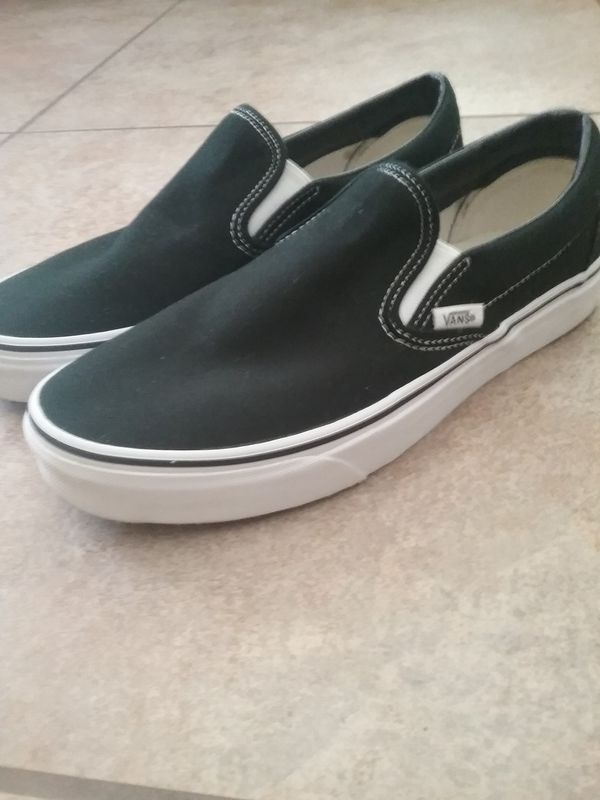 7c9e5d9bb888 Vans like new for Sale in Sun City