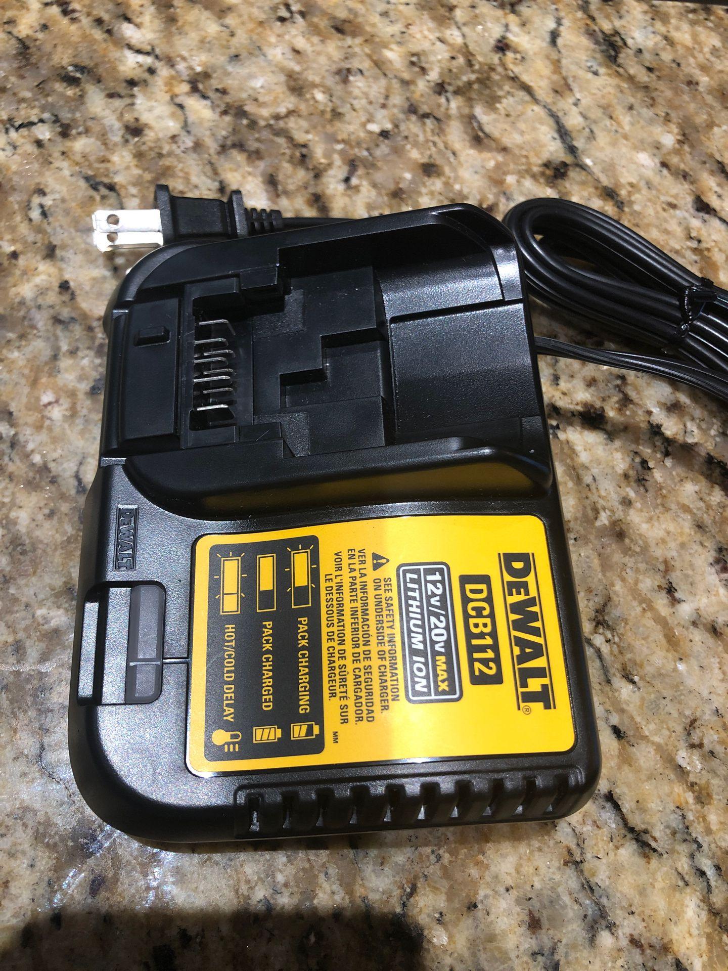 DeWALT Battery Charger DCB112