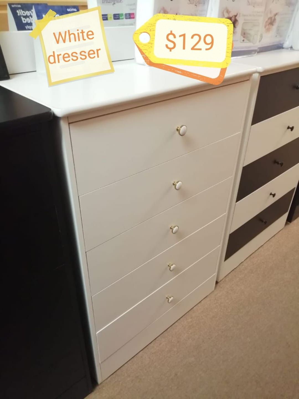 Dresser 5 drawer