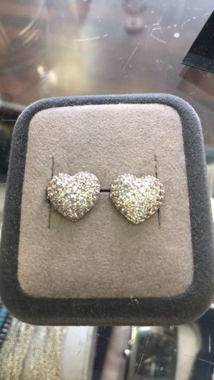 New silver pave diamond heart earrings for Sale in Orlando, FL
